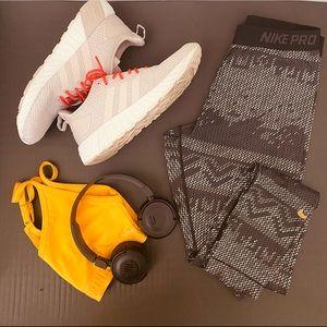 NWT Nike Pro leggings
